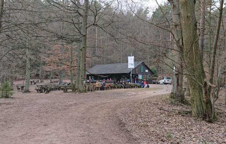 Ungeheuersee_PWV-Hütte.jpg