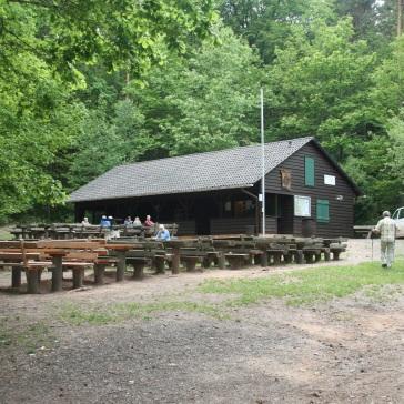 Wandertipp_Croissant_Pfalz_Leistadt_PWV_Hütte